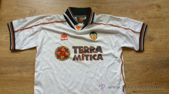 Camiseta del Valencia Club de Futbol con el patrocinio de Terra Mítica